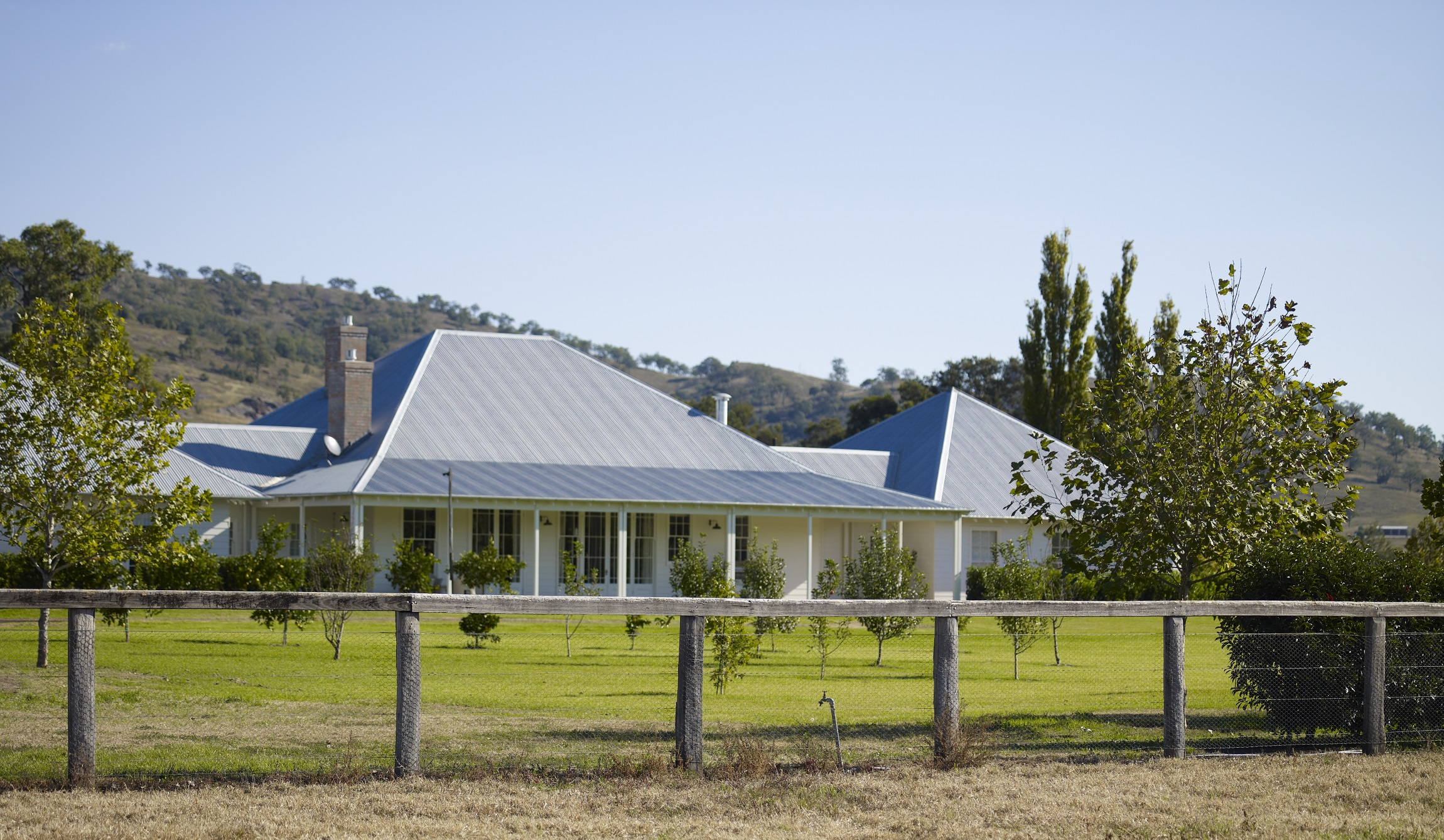 Australian-Country-Farmhouse-Horse-Stud-Michael-Bell-Architects-2