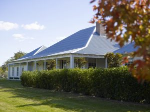 Country Architecture verandah horse stud