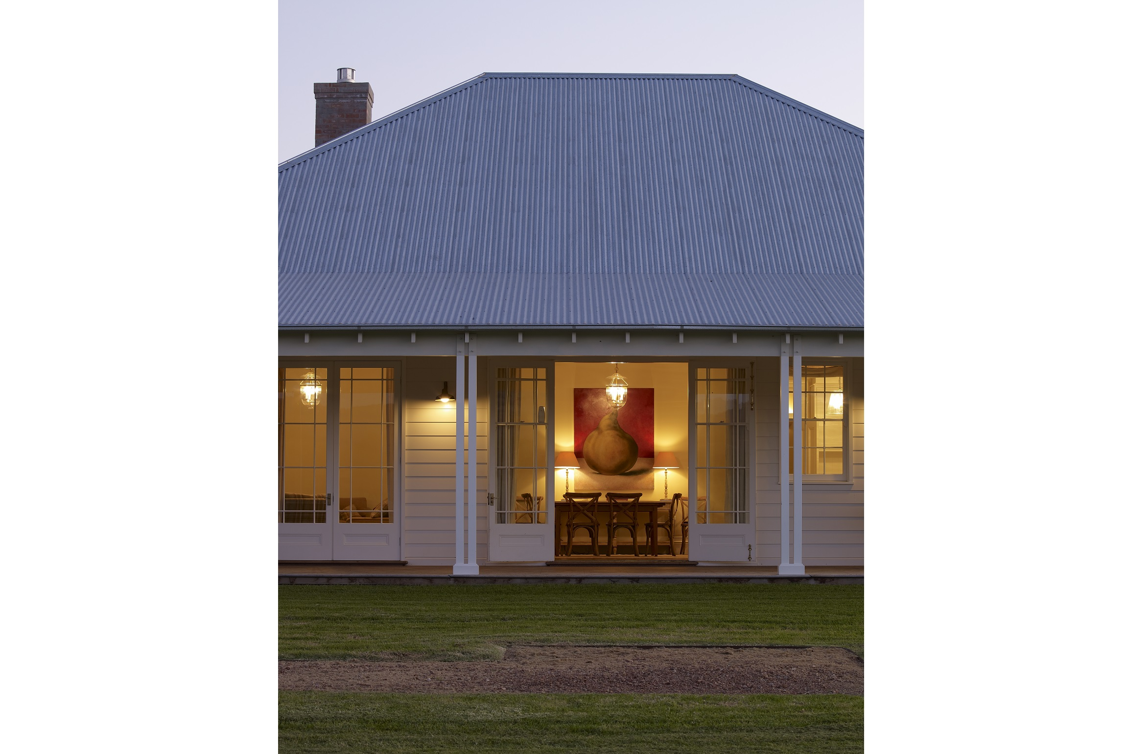 Australian-Country-Farmhouse-Horse-Stud-Outdoor-Dining-Michael-Bell-Architects