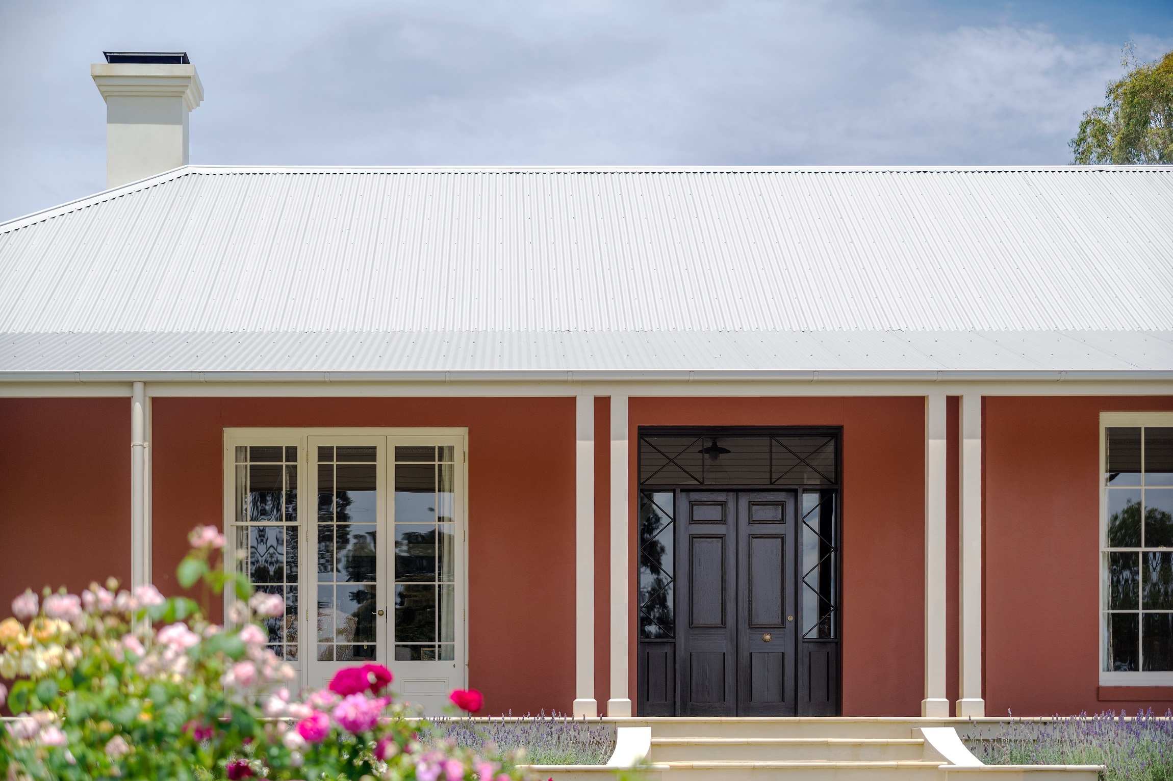 Country-Farmhouse-Front-Door-Australia-Wagga-Michael-Bell-Architects