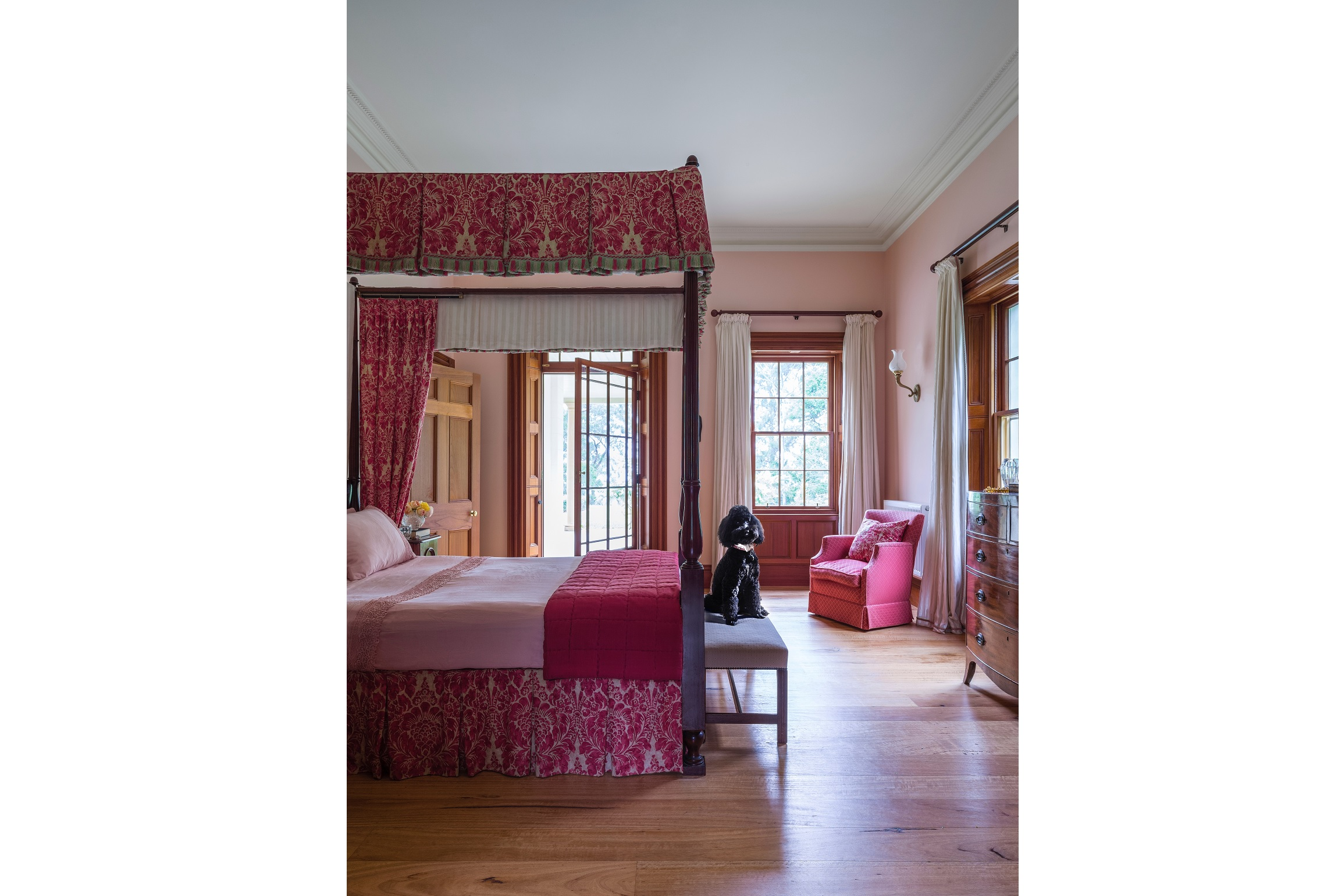 Four-Poster-Georgian-Style-Country-Estate-Australia-Bedroom-Michael-Bell-Architects