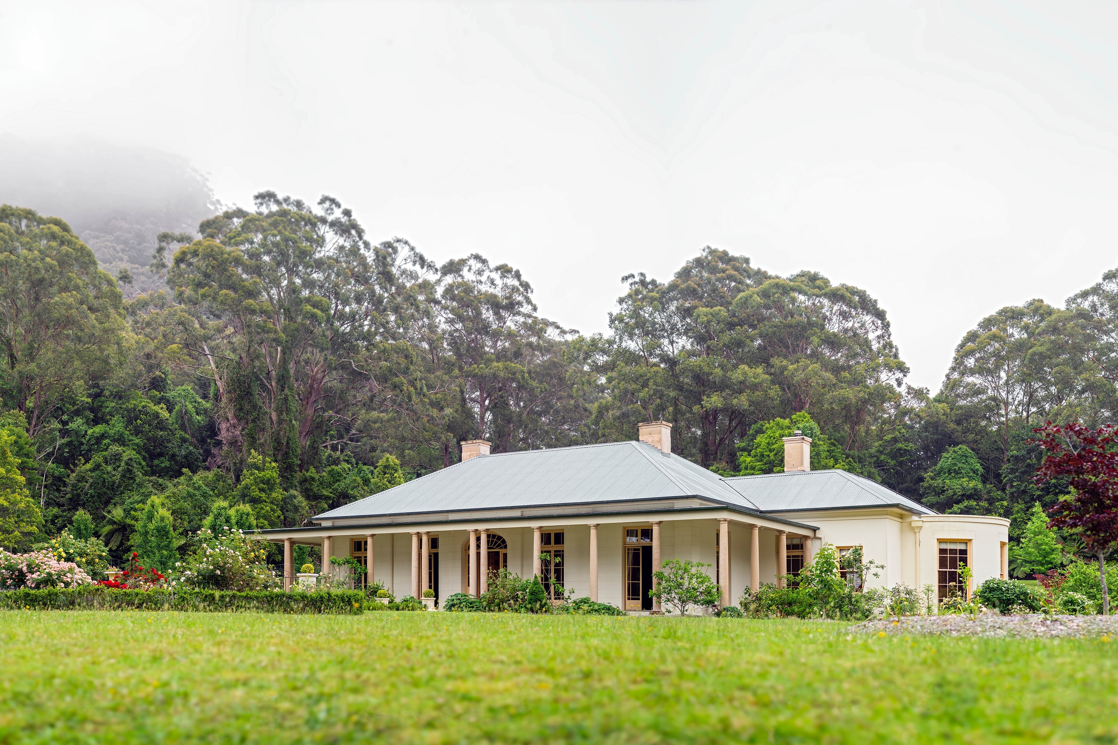 Georgian-Style-Country-Estate-Australia-Columns-Michael-Bell-Architects
