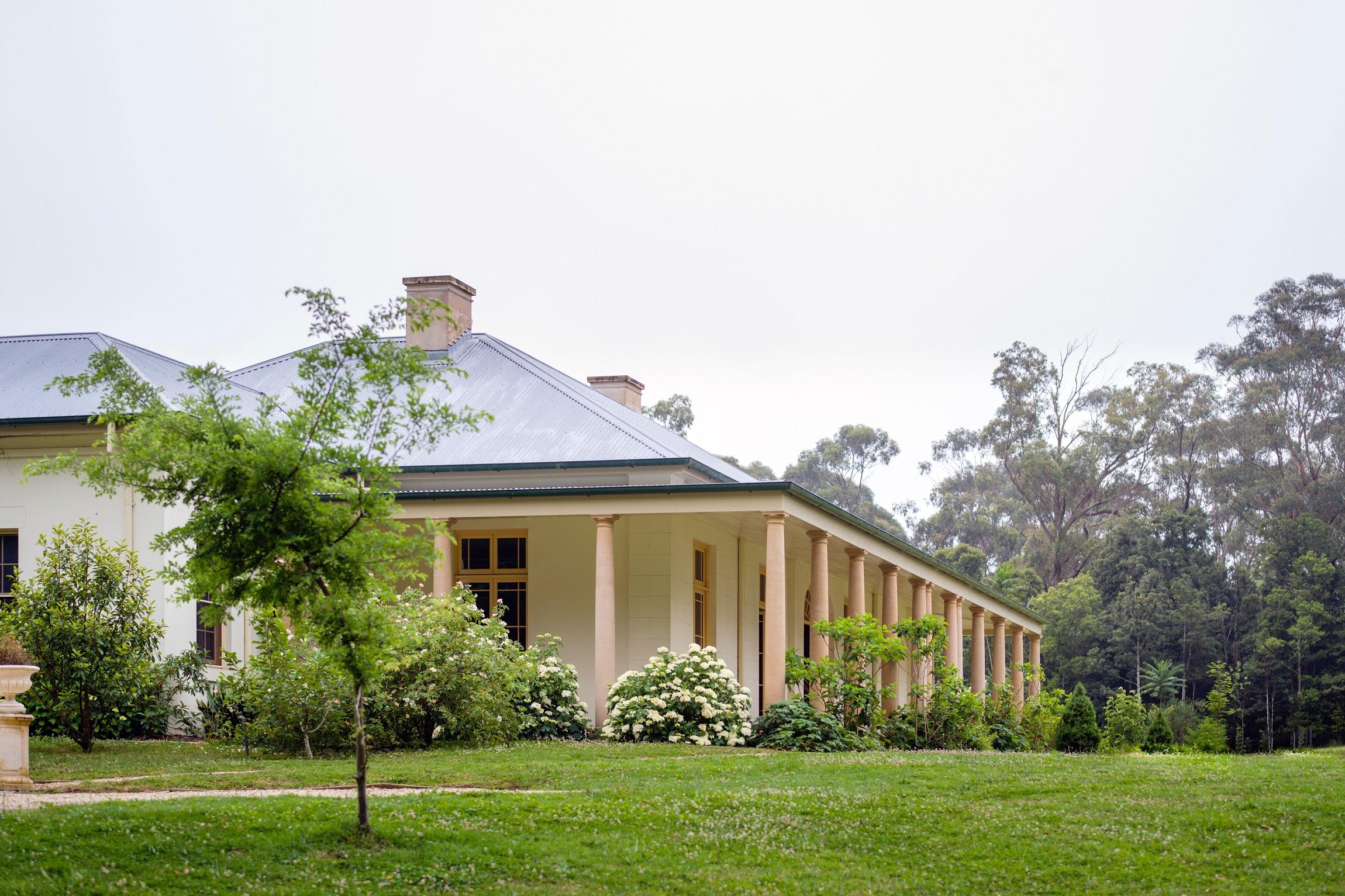 Georgian-Style-Country-Estate-Australia-Columns-Michael-Bell-Architects2