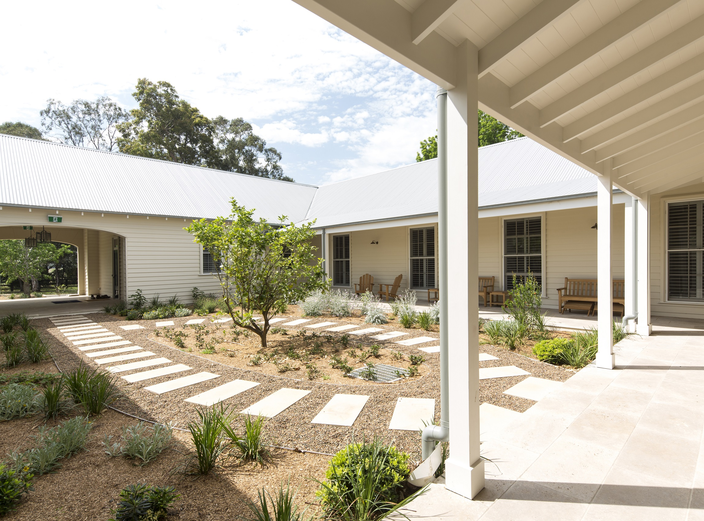 Horse-Stud-Courtyard-Garden-Hunter-Valley-Michael-Bell-Architects-Sydney