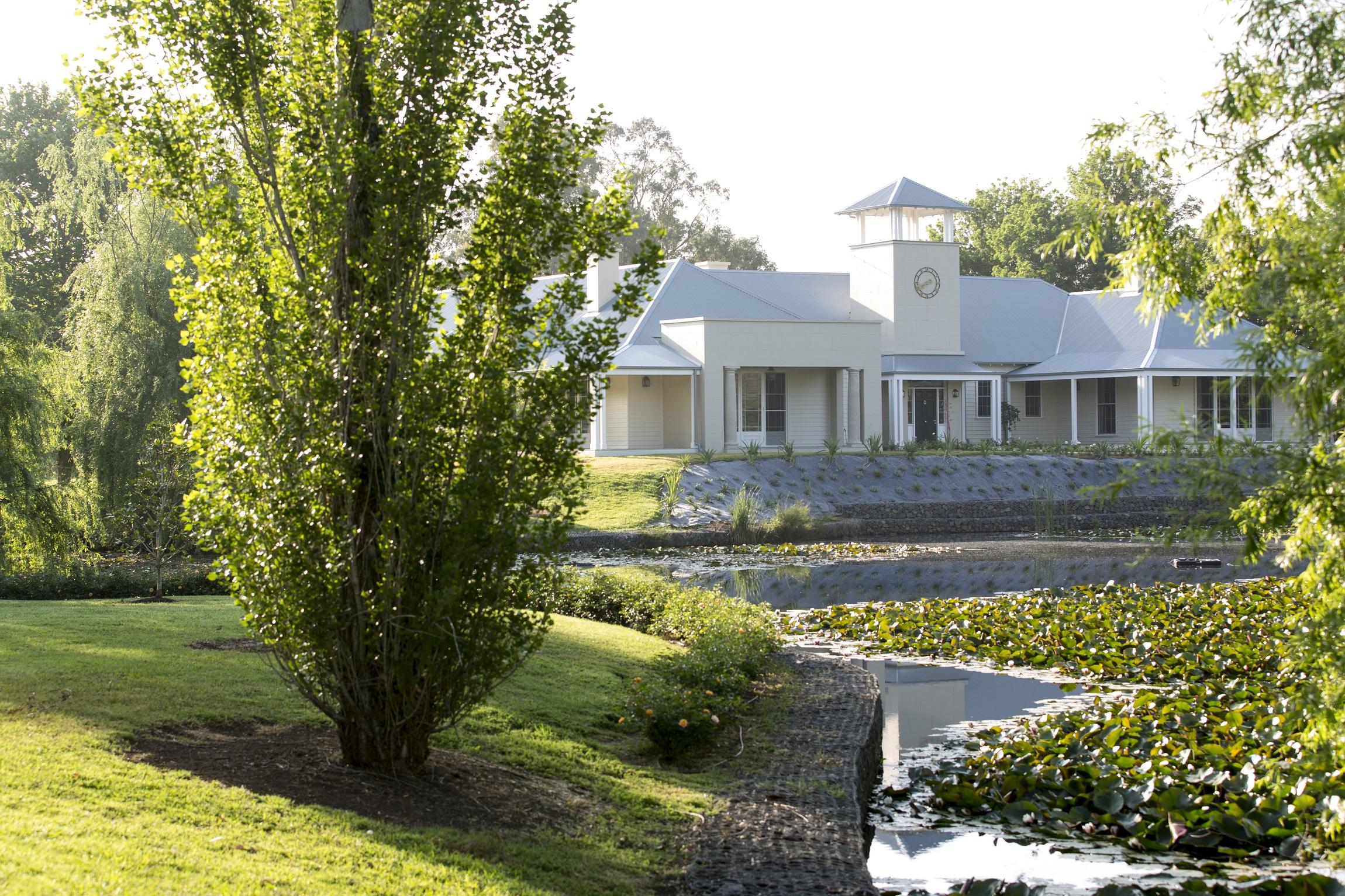 Horse-Stud-Lake-Hunter-Valley-Michael-Bell-Architects-Sydney