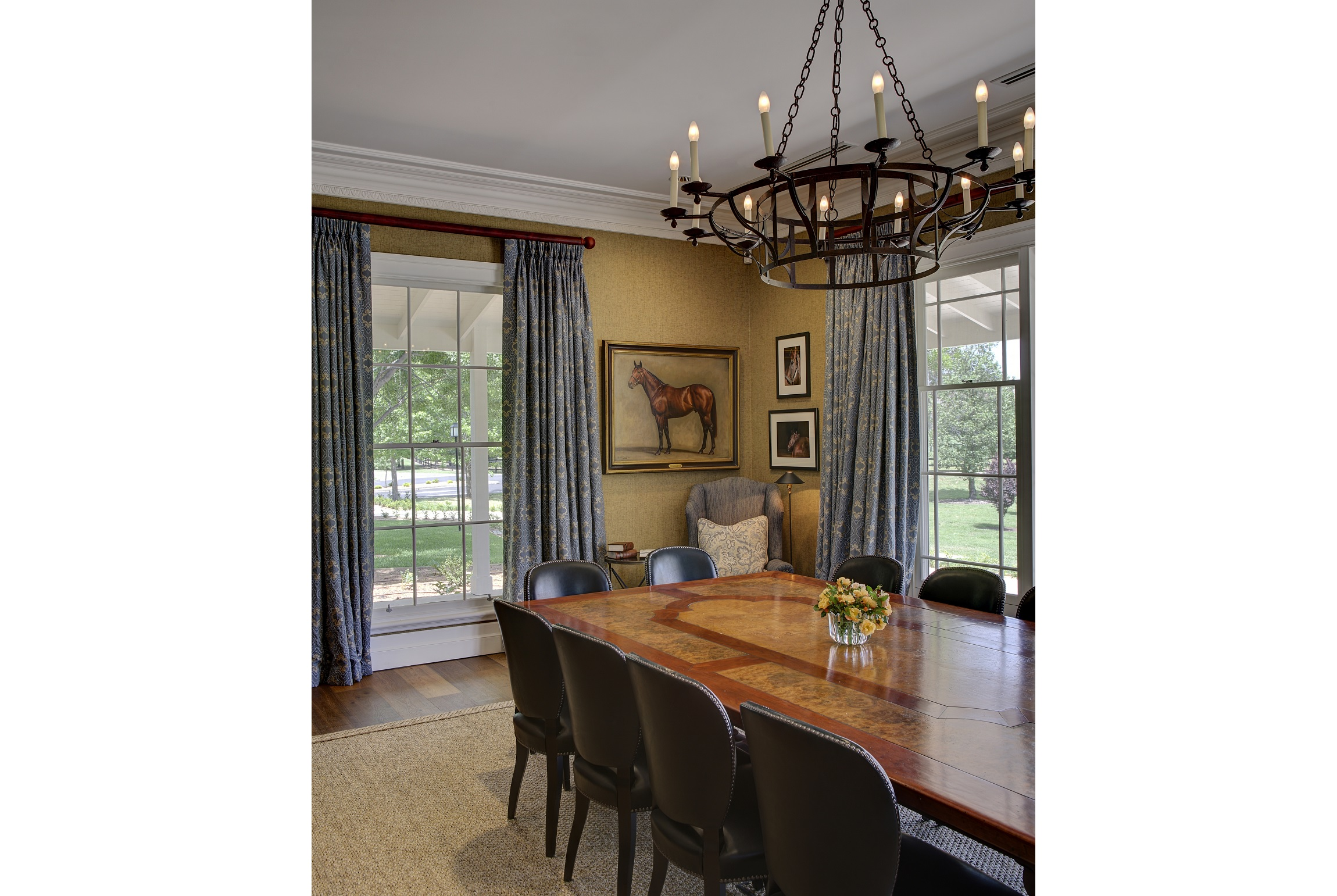 Horse-Stud-Meeting-Room-Chandelier-Hunter-Valley-Michael-Bell-Architects-Sydney