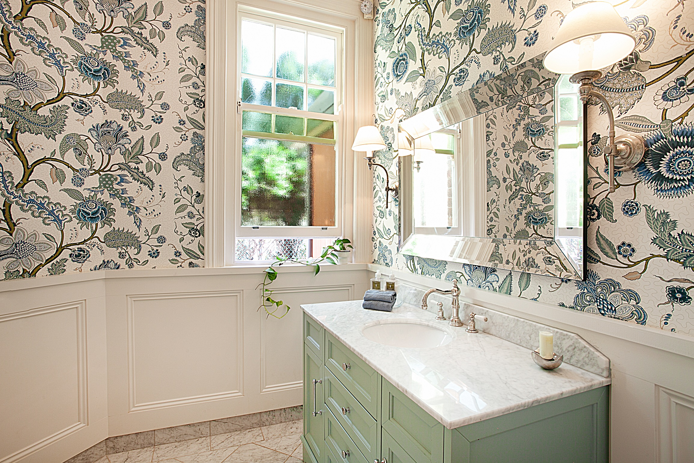 Leaf-Wallpaper-Heritage-Home-bathroom-renovation-Michael-Bell-Architects-Sydney
