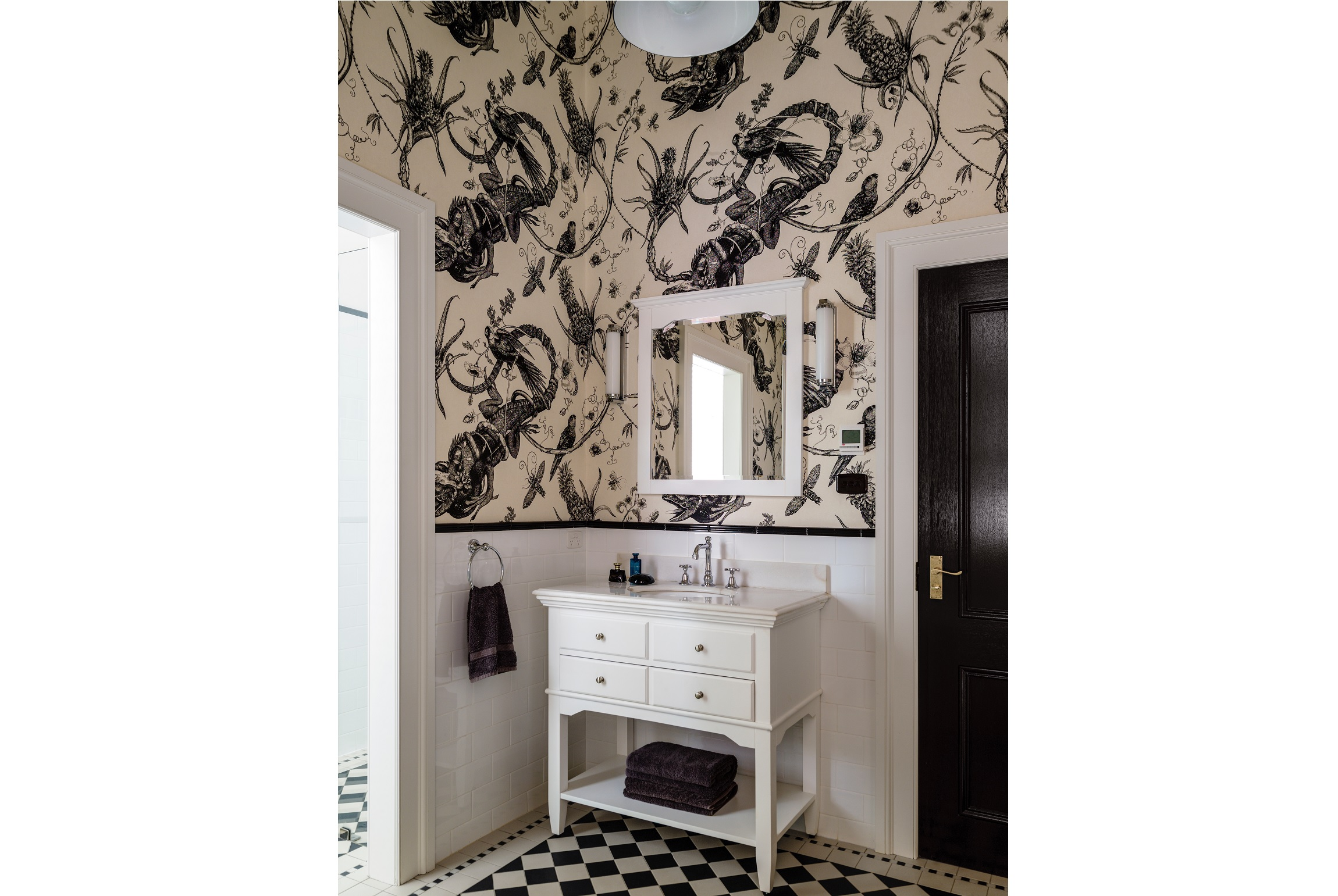 Leaves-Insects-Chamelion-Wallpaper-Country-Farmhouse-Australia-Michael-Bell-Architects