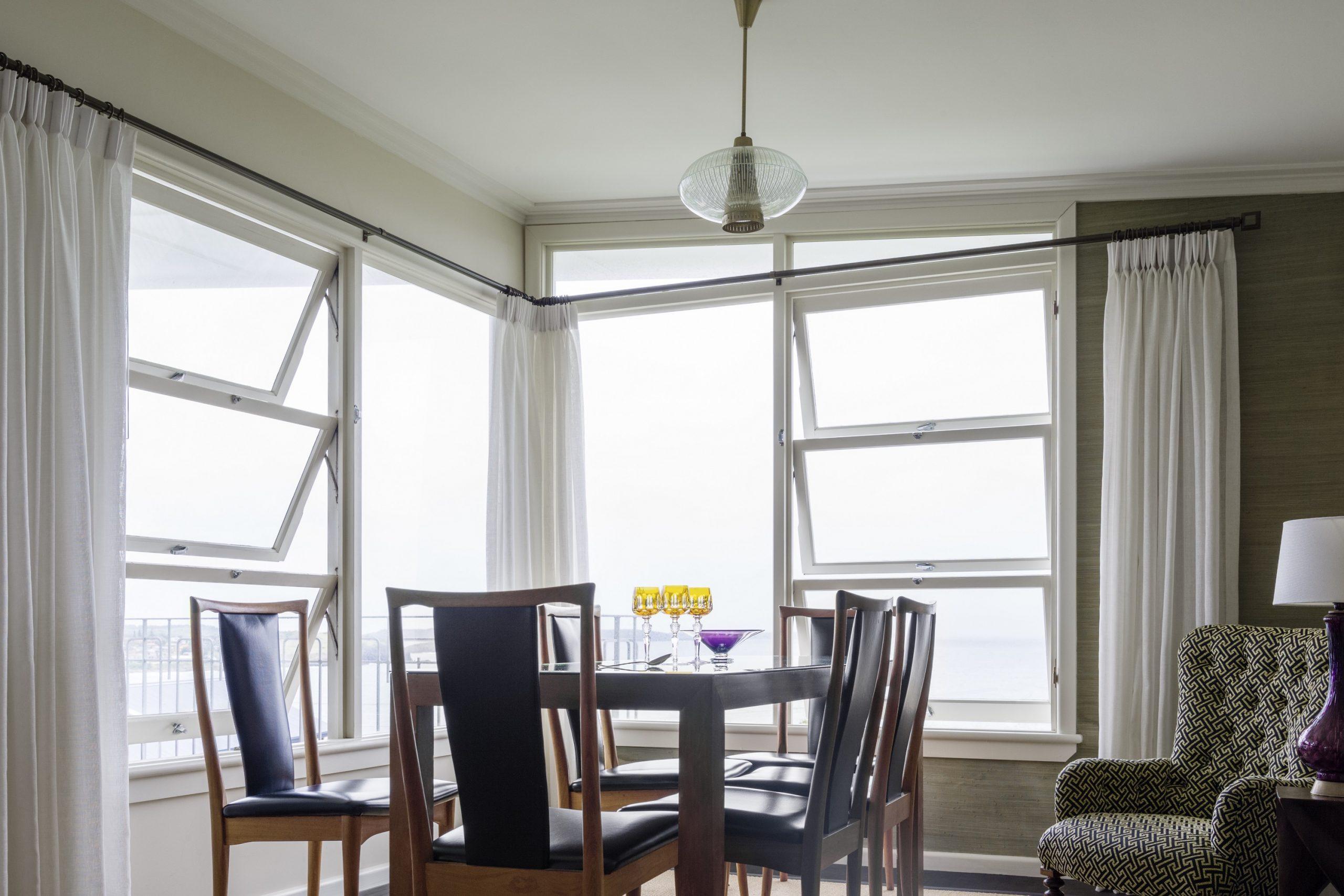 Retro-Interior-Design-1970s-Dining-Kiama-Michael-Bell-Architects-Sydney